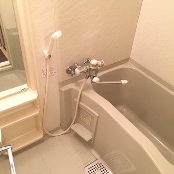 バスルームも清潔感たっぷりです。