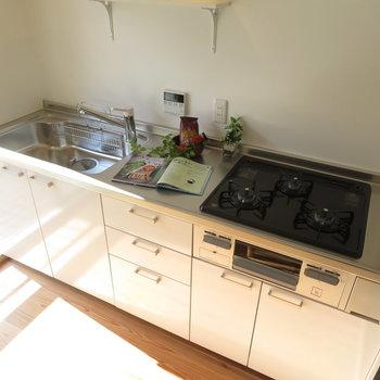 新品の使いやすそうなキッチン