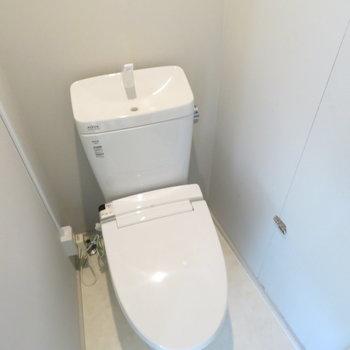 こちら側にもトイレがあります