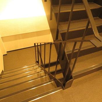 共有部】意外と綺麗な階段