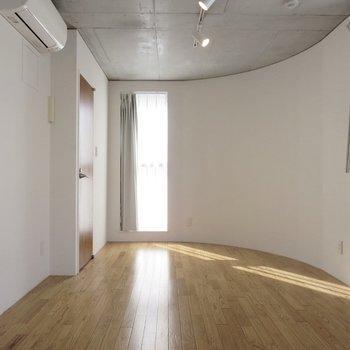 床の色合いも素敵