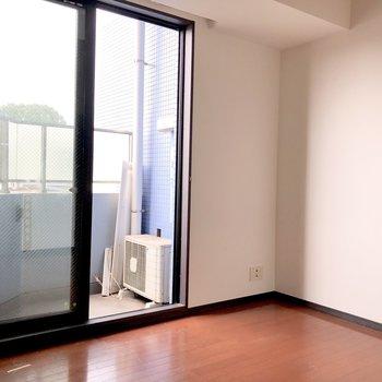 お部屋はスタンダードな印象。※写真は5階の同間取り別部屋のものです