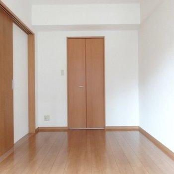 あの扉の奥は・・・(※写真は4階の同間取り角部屋のものです)