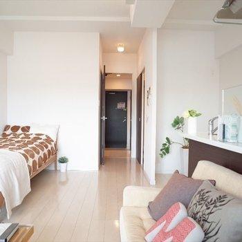 13帖のワンルームって、素敵。(※写真は7階の同間取りモデルルームのものです)