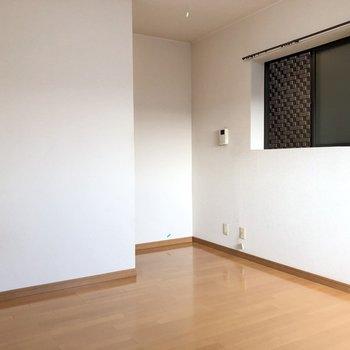 シンプルな内装なので家具は選びません。