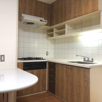 キッチンの設備は充実してますねー!