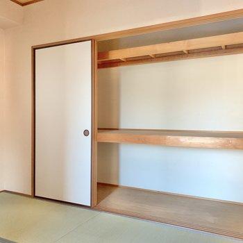 【和室】収納はドーンっと広め!お布団はもちろん、収納ケースを持ち込んで、洋服もしまえそう!