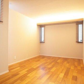 【1階】約8.5帖の洋室