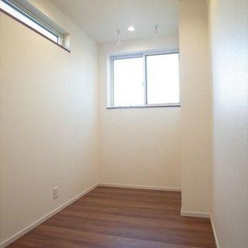 【2階】ランドリースペース