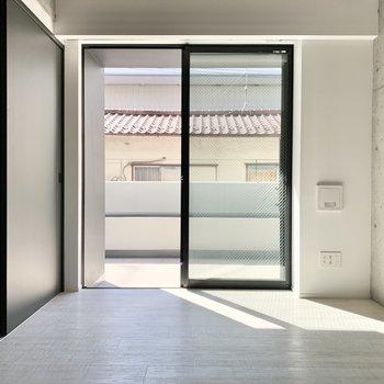 【西側洋室】こちらは収納や多目的スペースにしてもいいかも。※写真は2階の同間取り別部屋のものです
