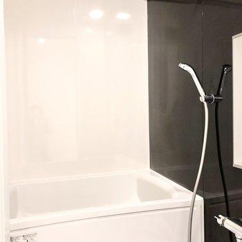 浴室乾燥機・追い炊きなどの機能が備わったお風呂。