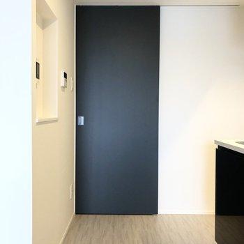 居室と廊下は引き戸で仕切ることができますよ。