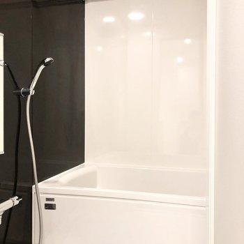 浴室乾燥や追い炊きなど設備が整ったお風呂。