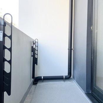 2,3日分の洗濯物は干せそうです。※写真は2階の同間取り別部屋のものです