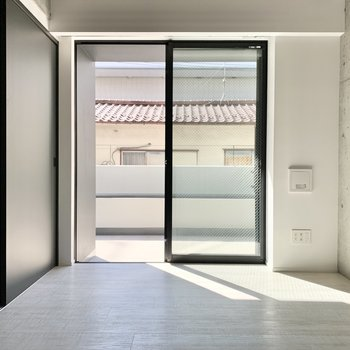 【納戸】こちらは収納や多目的スペースに。※写真は2階の同間取り別部屋のものです