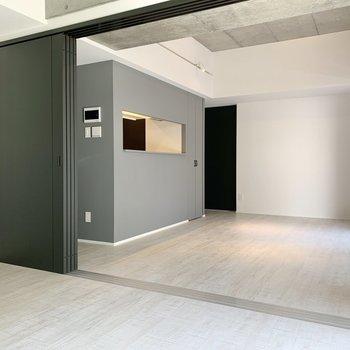 キッチンを見てみましょう。※写真は2階の同間取り別部屋のものです