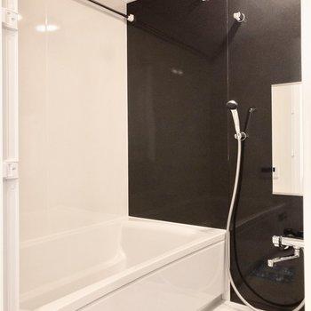 雨の日も安心、浴室乾燥機付きです。