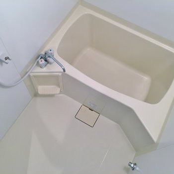 ノーマルの浴室。※写真は、同タイプの別部屋