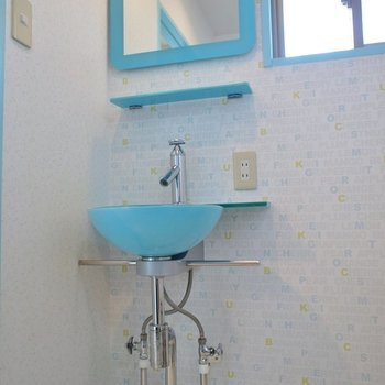 清潔感溢れる洗面※写真は同タイプ別部屋