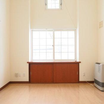 12.1帖の広めのリビング※写真は別室です
