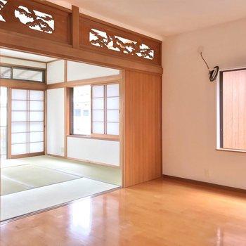 つづいて6.4帖の洋室と8畳の和室。引き戸を開ければ広々使えます!