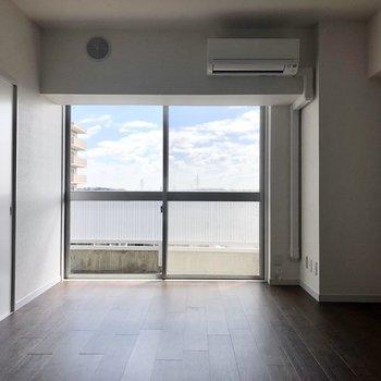 【LDK】※写真は7階の同間取り別部屋のものです