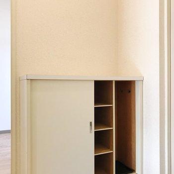 靴箱には傘も収納出来そうでしたよ。※写真は2階の同間取り別部屋のものです