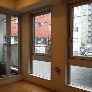 南向きの窓で日光浴しましょ。※写真は前回募集時のものです