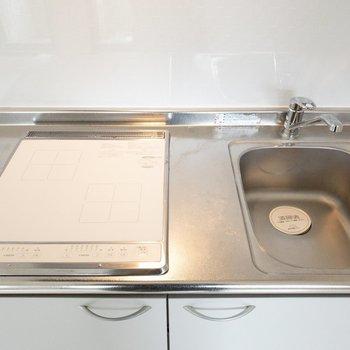 調理台を置くなど、作業スペースを上手く確保してくださいね。