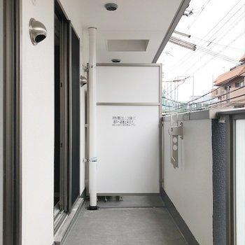 ベランダからは広々してます。 ※写真は2階の別室、同間取りのものです。