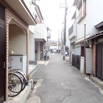 周辺は閑静な住宅街です。
