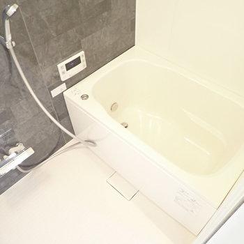 バスルームです。洗い場が広めです。