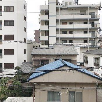 眺望は住居が見えます。※写真は同間取り・別部屋のものです。