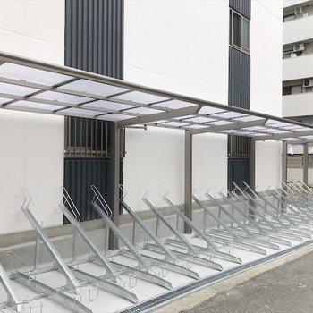 共用部】屋根のついた駐輪場で、雨でも自転車濡れません!