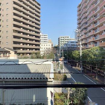 【はなれ】東京タワーがひょっこりと。
