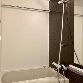 浴室乾燥機付きです※写真は3階の同間取り別部屋のものです