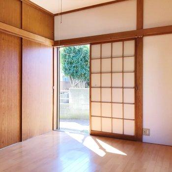 【下階・洋室7帖】障子と光の相性が素敵。