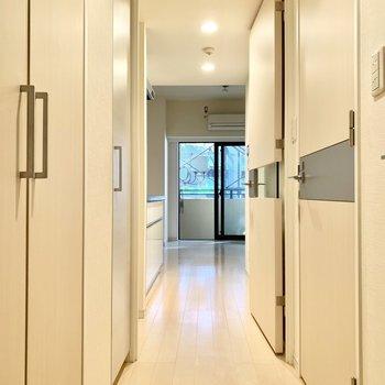 居室と廊下は閉め切ることができますよ。