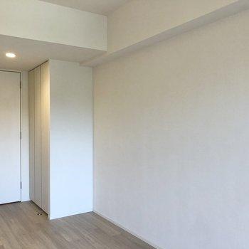 居室には収納が2箇所あります。