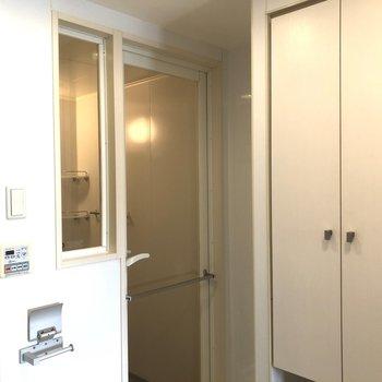 バスルームのドアもホテルライクでカッコイイ!