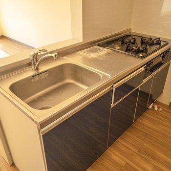 【LDK】調理スペースもしっかり。