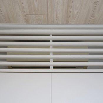 エアコンも隠れちゃってるんだな  (※写真は4階の同間取り別部屋のものです)