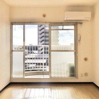 ぽかぽか陽気が気持ちいい〜。※写真は4階同間取り別部屋のお写真です。