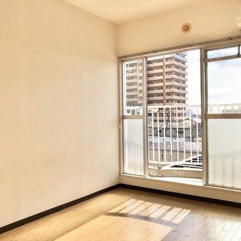 ここは居間として使いたいな。※写真は4階同間取り別部屋のお写真です。