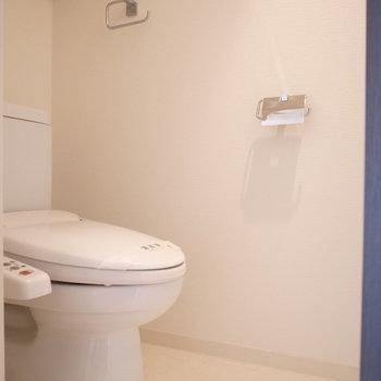 トイレもゆっくりできる広さです。