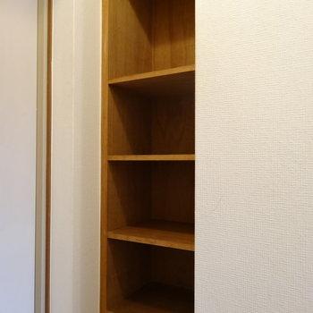 シューズボックスは壁いっぱいに!1番上にブーツもしまえそう!(※写真は4階の同間取り別部屋のものです)