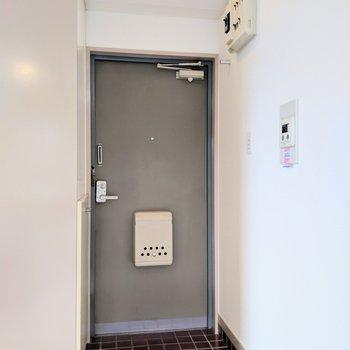 カーテンで空間を仕切ることもできそう※写真は4階の同間取り別部屋のものです