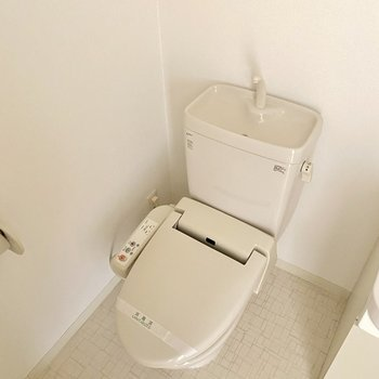 トイレが並んでいます。