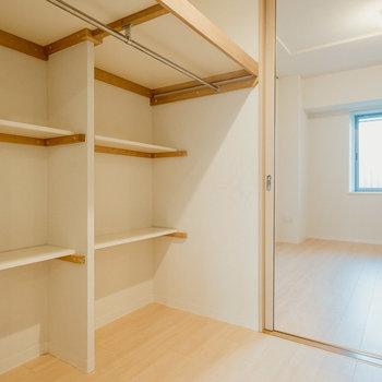 【WIC】ちょっとした棚もあって使いやすそう。
