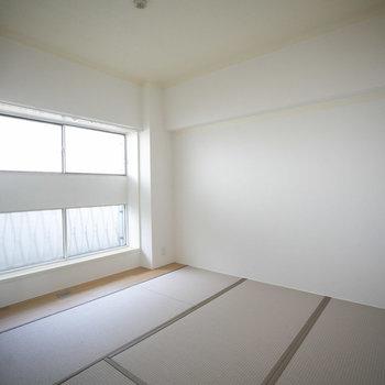 こちらは廊下側の和室。
